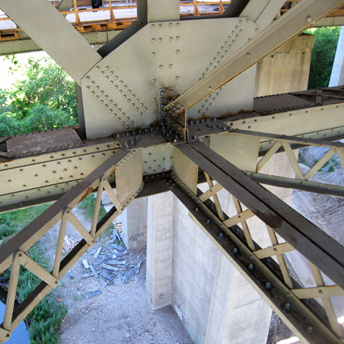 Hoggs Hollow bridge steel refurbishment no easy task